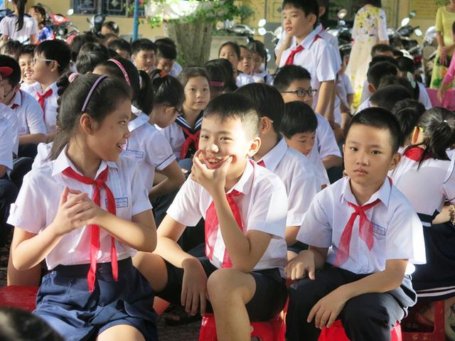 Chương trình giáo dục phổ thông mới: Giảm tải mạnh các tiết học cho học sinh